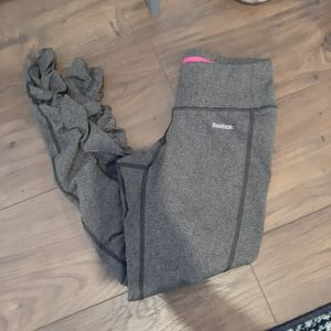 Reebok, scrunched leg, cropped legging capris